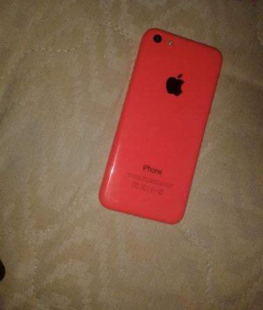 IPhone 5C 8GB  de couleur rose