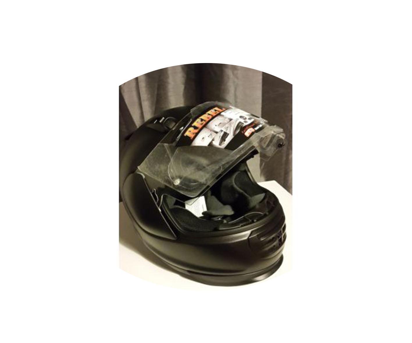 Une casque intégral noir de marque  Arai Rebel