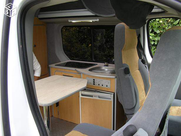 véhicule utilitaire Renault Trafic 1.9 DCI