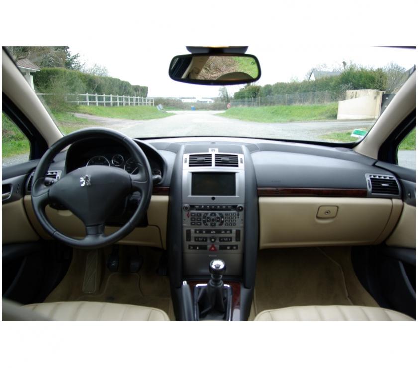 Peugeot 407 ancienne avec