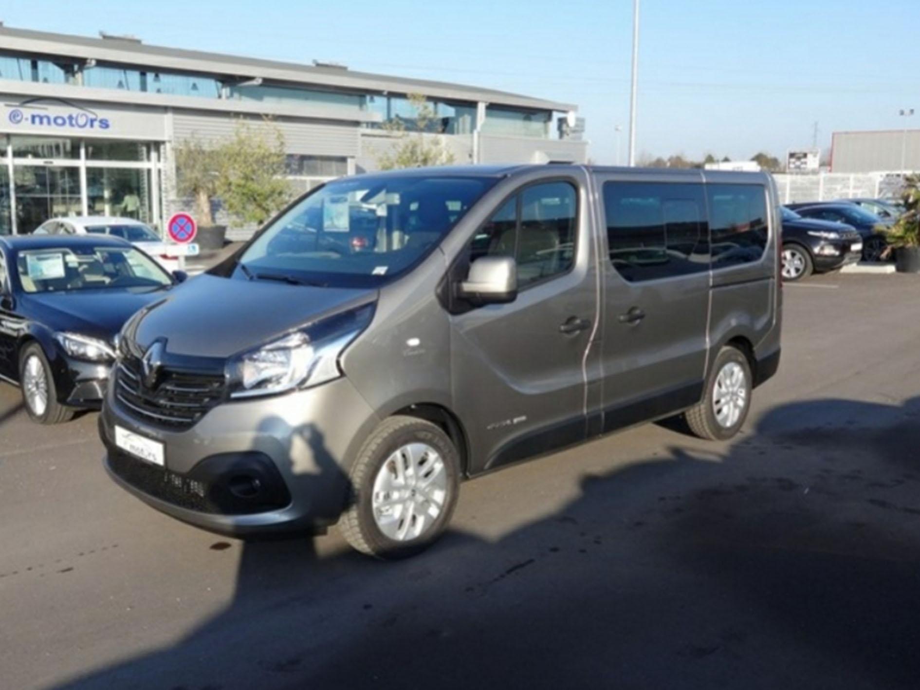 Voiture Renault grand