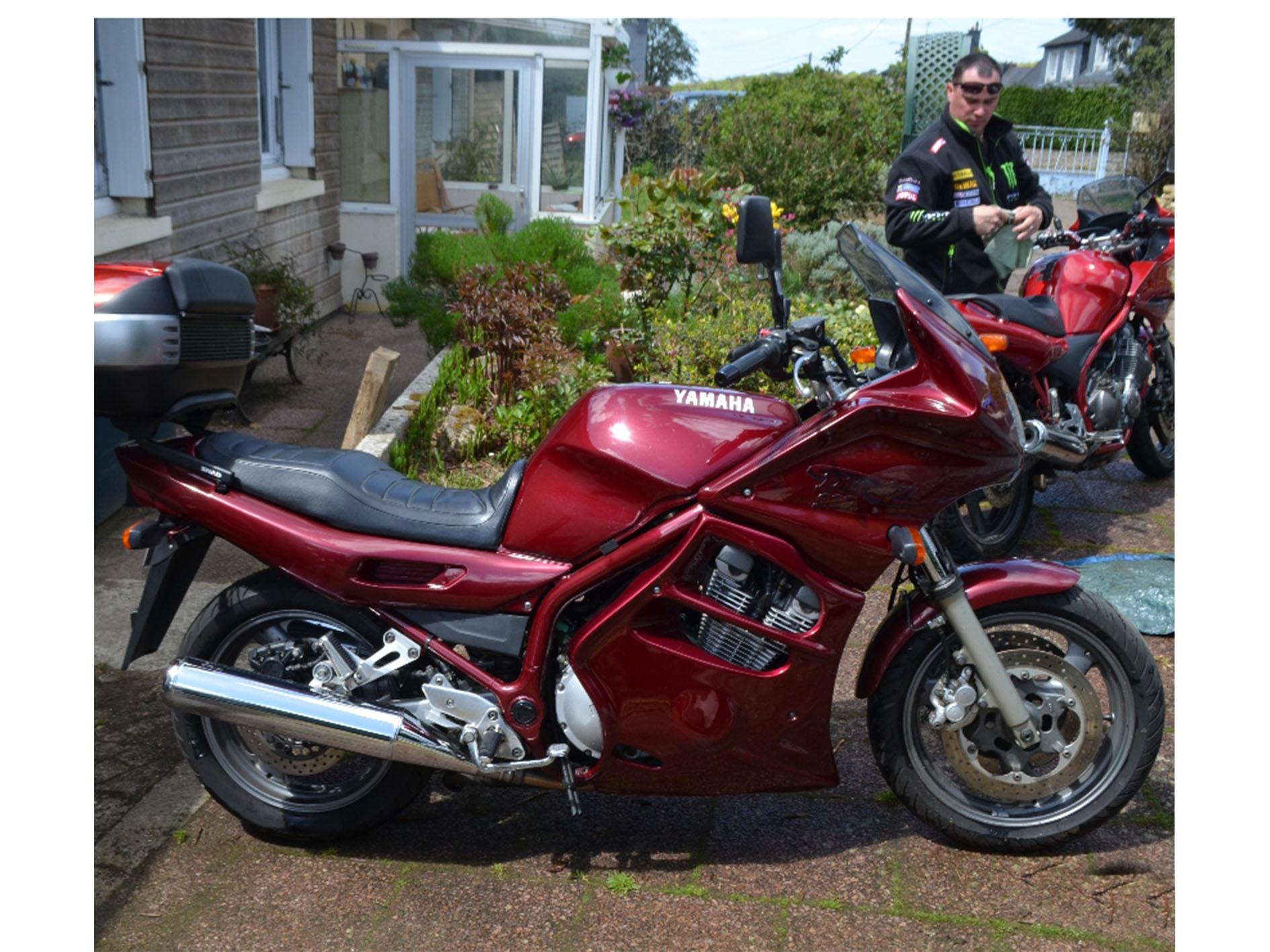 Moto Yamaha 900 diversion