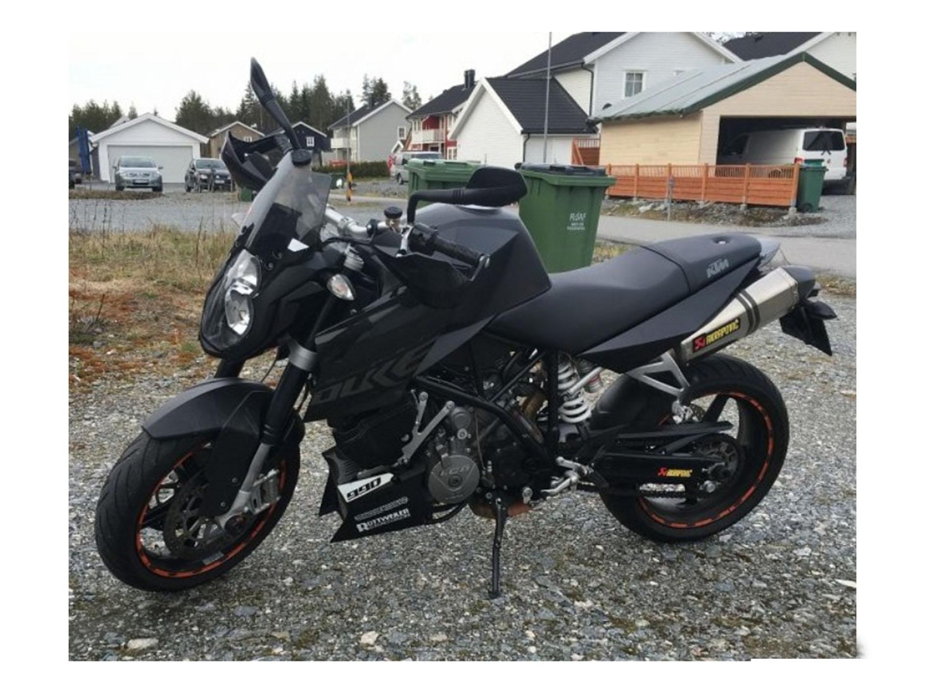 KTM Super Duke 990 moto