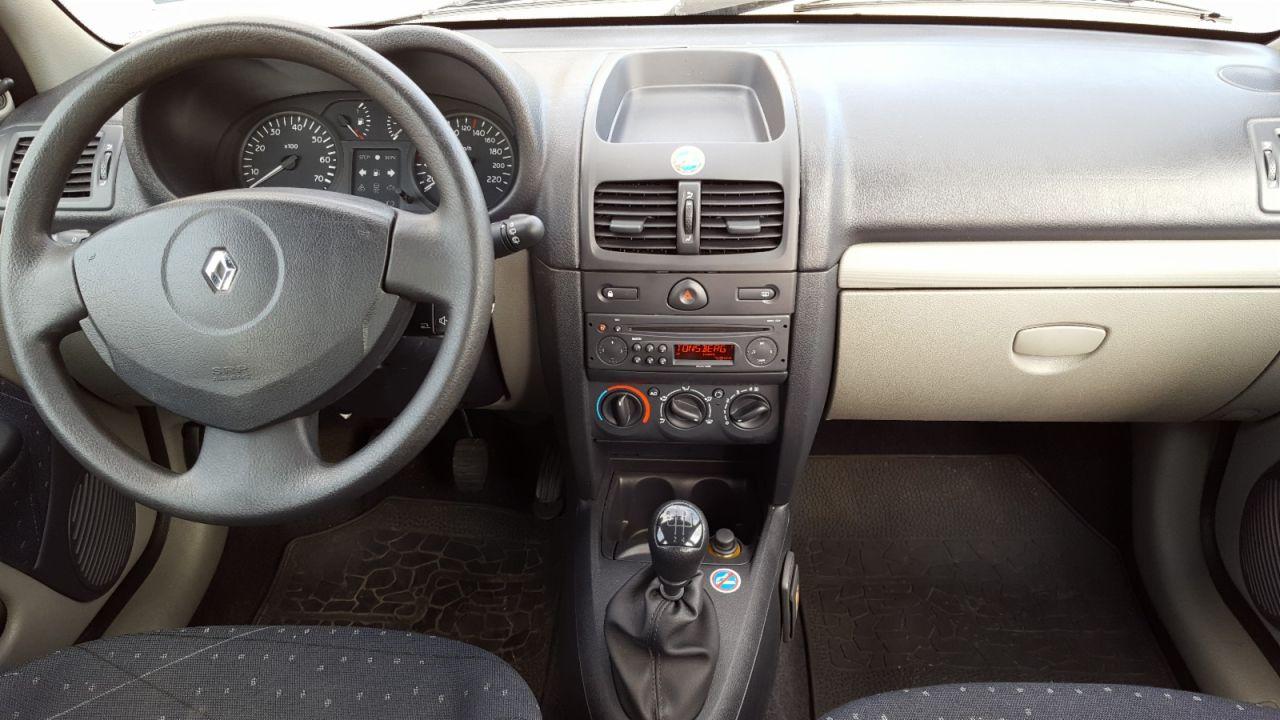 Trés belle Renault Clio