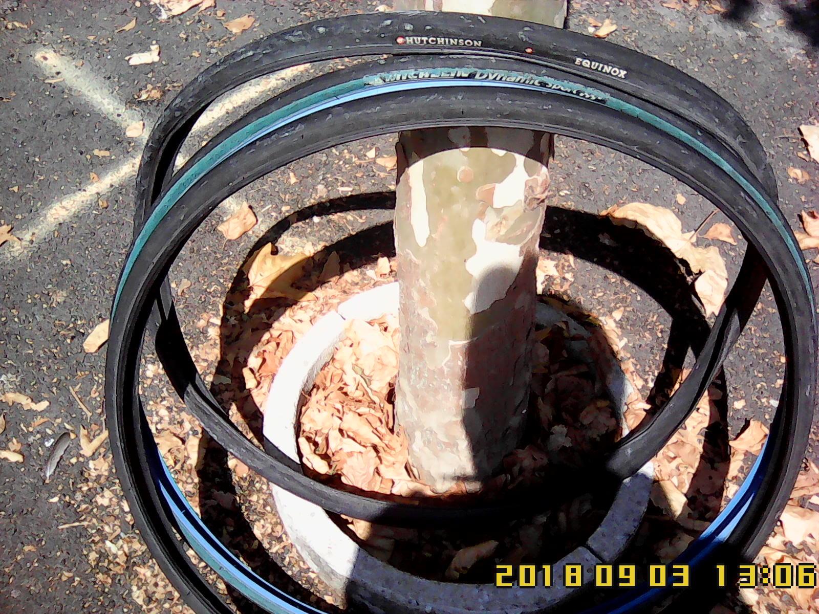 Lot de pneus et chambre à air en 700 mm